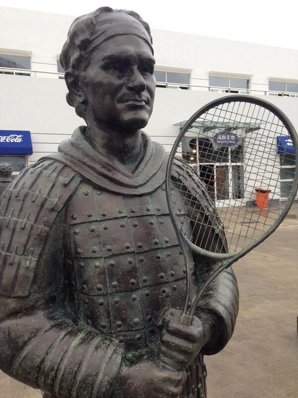 http://www.tennisleader.fr/sites/default/files/ckeditorimgimages/Joueurs/Federer%20Roger/2013/BV4IvXjCcAApE53.jpg