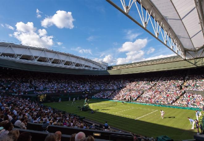 Le fameux Centre Court de Wimbledon avec son toit rétractable - © DR