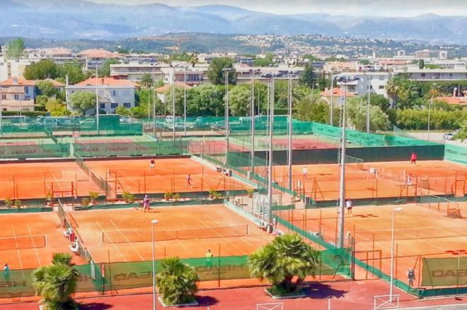 Tous les clubs de tennis affiliés FFT en France, soit 8 000 clubs, sont fermés jusqu'à nouvel ordre - © DR