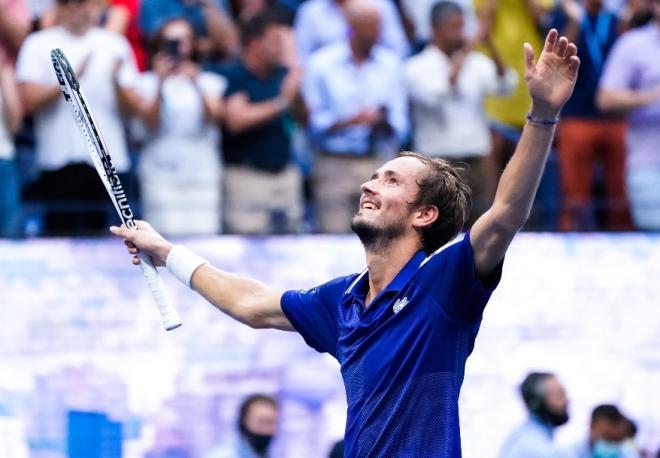 Daniil Medvedev a remporté son 1er titre du Grand Chelem ce dimanche à New-York - © Abaca - Icon Sport