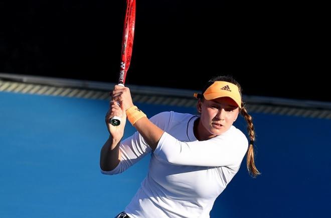 Elena Rybakina s'est qualifiée ce jeudi en 1/2 du tournoi de Dubaï en dominant la Tchèque Karolina Pliskova - © DR