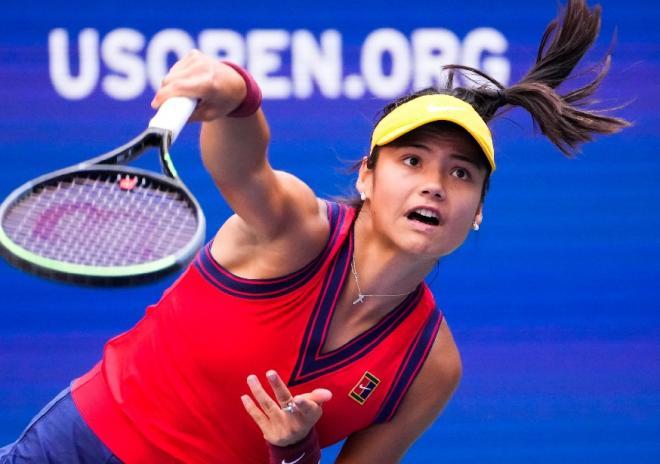 Emma Raducanu est la première joueuse de l'histoire issue des qualifications à remporter un titre du GC  - © Susa - Icon Sport