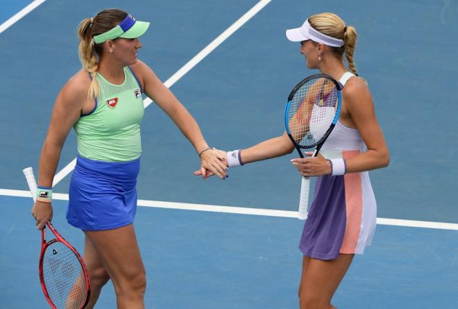Kristina Mladenovic et Timéa Babos tenteront ce jeudi de récupérer leur titre en finale de l'Open d'Australie - ©DR