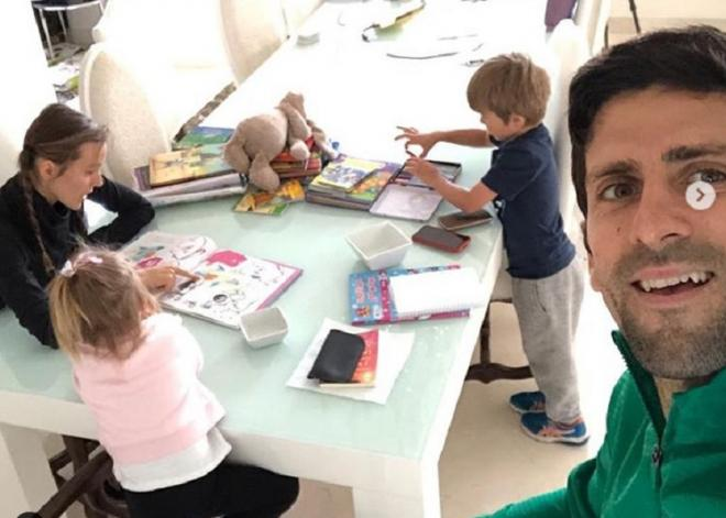 Novak Djokovic confiné chez lui à Monaco, avec sa femme et ses enfants  - © DR