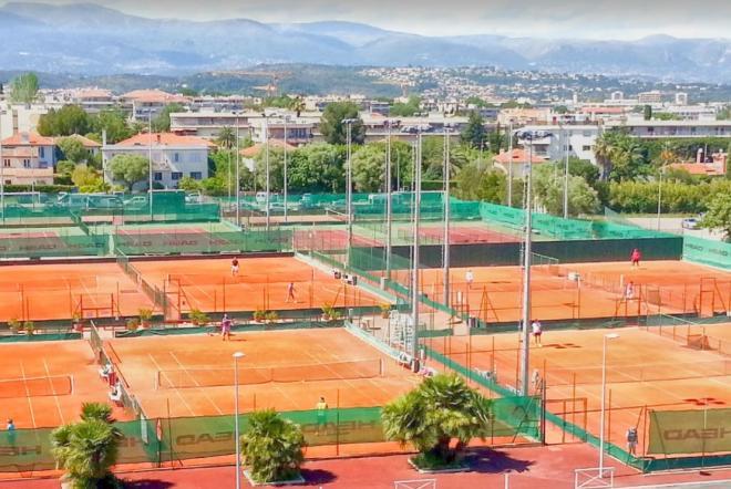 La FFT a autorisé ce jeudi la reprise de la pratique du tennis et de la compétition. - © DR