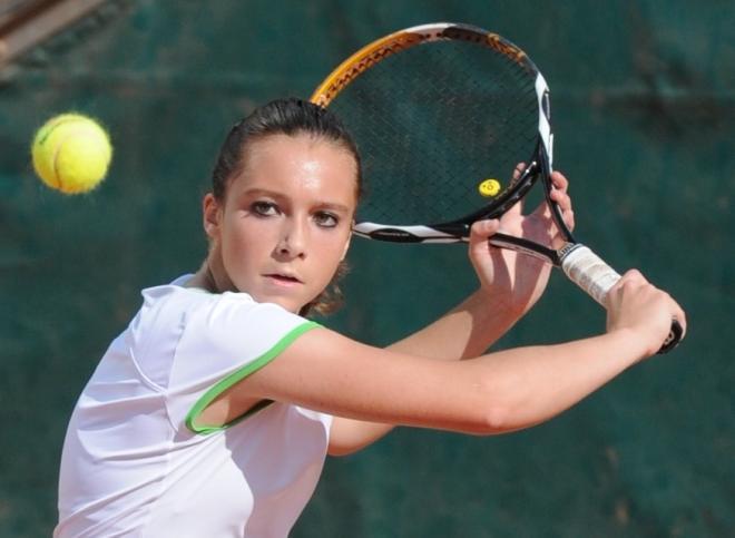 Bien combiner Tennis intensif et études, un choix effectué par Pauline avec succès  - © Tennisleader