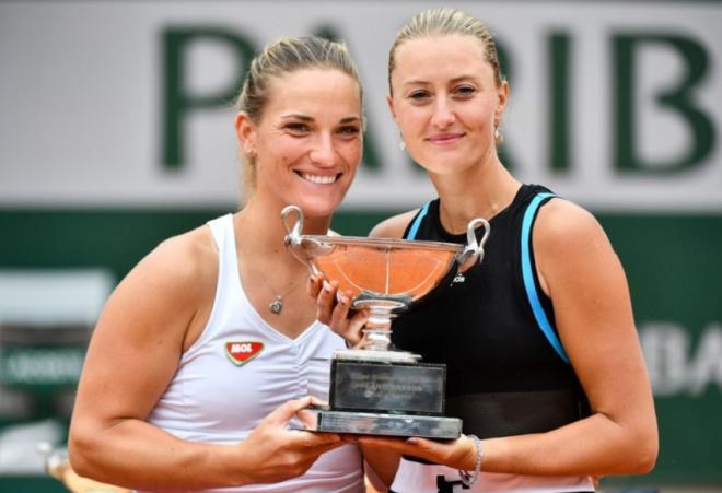 Timea Babos (à gauche) et Kristina Mladenovic ont remporté le double femmes de RG ce dimanche  - © DR