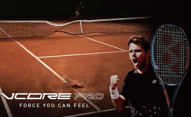 La V Core Pro de Yonex est la raquette jouée par Stan Wawrinka - © DR